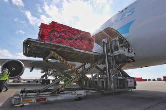 Medical materials from China arrive at the Liege airport in Belgium, on March 18, 2020.(Xinhua/Zheng Huansong)