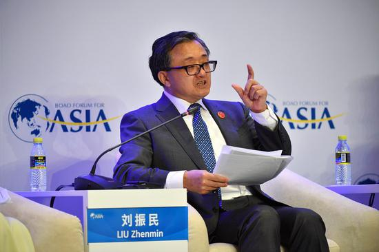 "Liu Zhenmin, UN Undersecretary-General for Economic and Social Affairs, speaks at the session of ""Frontier Technology and Sustainable Development"" during the Boao Forum for Asia annual conference in Boao, south China's Hainan Province, March 29, 2019. (Xinhua/Guo Cheng)"