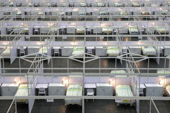 Photo taken on Aug. 1, 2020 shows the interior of a makeshift hospital for COVID-19 patients at the AsiaWorld-Expo, a venue near the Hong Kong International Airport, in south China's Hong Kong. (Xinhua/Wu Xiaochu)