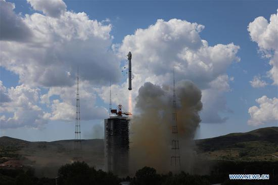 A Gaofen-11 02 satellite is launched by a Long March-4B rocket from the Taiyuan Satellite Launch Center in north China's Shanxi Province, Sept. 7, 2020. China launched a new optical remote-sensing satellite from the Taiyuan Satellite Launch Center in northern Shanxi Province on Monday. The Gaofen-11 02 satellite was launched by a Long March-4B rocket at 1:57 p.m. (Beijing Time), according to the center. It was the 345th flight mission by a Long March carrier rocket. (Photo by Zheng Taotao/Xinhua)