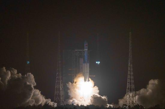 The Long March-7 Y3 rocket, carrying the Tianzhou-2 cargo spacecraft, blasts off from the Wenchang Spacecraft Launch Site in south China's Hainan Province, May 29, 2021. (Xinhua/Pu Xiaoxu)