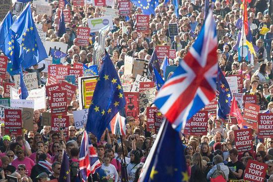 People demonstrate in London for new Brexit vote