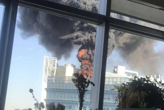 Fire breaks out in Beijing's high tech hub