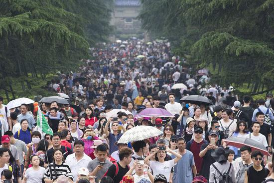 China May Day holiday extension boosts tourism interest