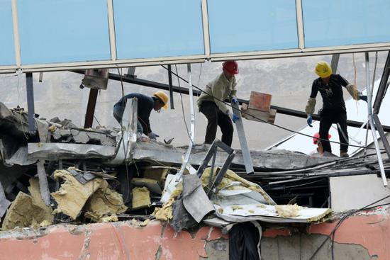 Death toll rises to 6 after bar collapses in south China