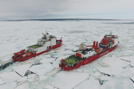 China's polar icebreakers reach waters near Zhongshan Station in Antarctica