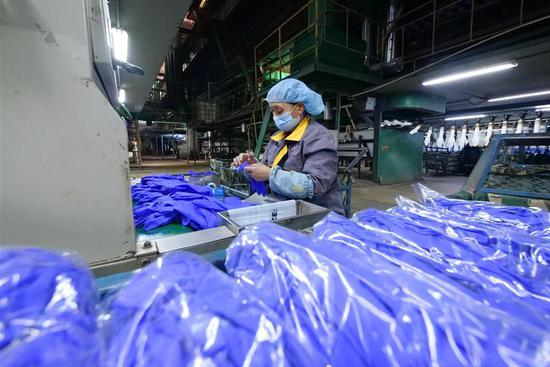 Enterprises producing personal protective equipment resume production orderly in Hebei