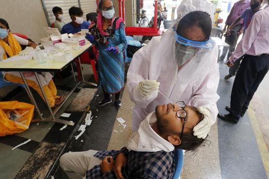 COVID-19 cases surpass 900,000-mark in India, cases in Delhi fall by over 29 percent