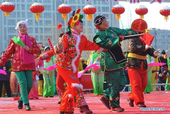 Shehuo teams put on the folk-custom performances to celebrate the Lantern Festival in Zhangjiakou, north China's Hebei Province, Feb. 19, 2019, on the 15th day of the first month of Chinese lunar calendar. (Xinhua/Chen Xiaodong)