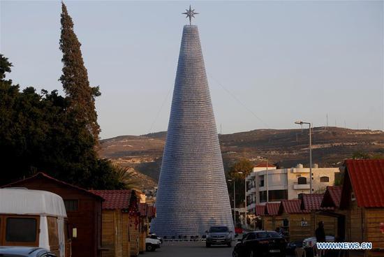 黎巴嫩期望新的吉尼斯世界纪录最大的塑料瓶圣诞树 3