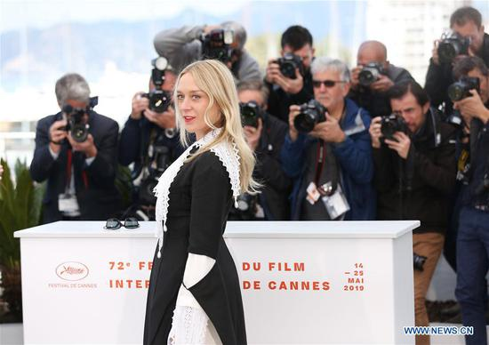 Actress Chloe Sevigny poses for photos during the 72nd Cannes Film Festival in Cannes, France, May 15, 2019. The 72nd Cannes Film Festival is held here from May 14 to 25. (Xinhua/Gao Jing)
