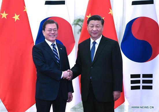 习近平会见韩国总统,要求推进双边关系