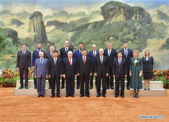 中国国家主席会见统一俄罗斯党代表团