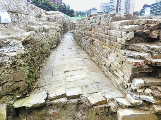 An ancient city wall dating back to the Tang Dynasty (618-907) is discovered in Chengdu, Sichuan Province. [Photo: sc.gov.cn]