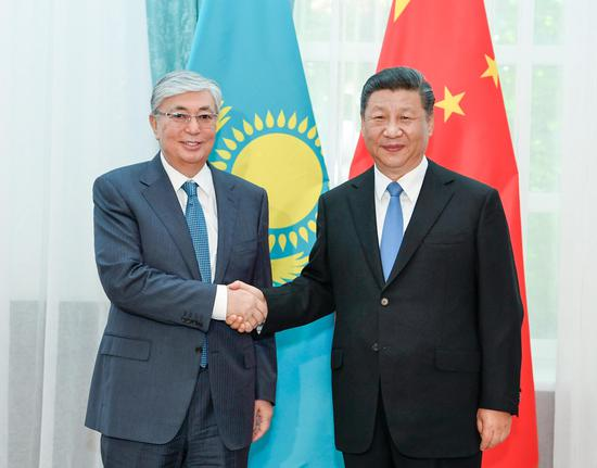 File photo shows Chinese President Xi Jinping meeting with his Kazakh counterpart Kassym-Jomart Tokayev in Bishkek, Kyrgyzstan, June 13, 2019. (Xinhua/Gao Jie)