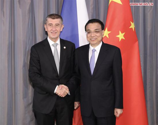 Chinese Premier Li Keqiang (R) meets with Czech Prime Minister Andrej Babis, who is here to attend the eighth leaders' meeting of China and Central and Eastern European Countries (CEEC) in the Croatian city of Dubrovnik, April 11, 2019. (Xinhua/Huang Jingwen)