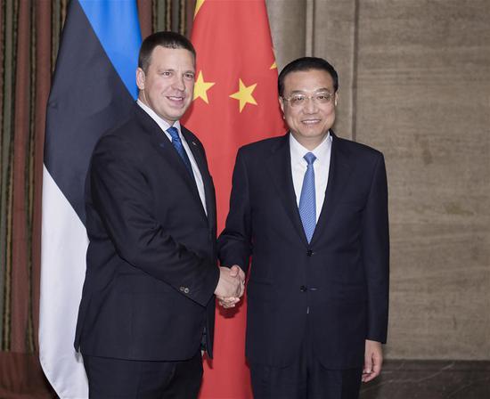 Chinese Premier Li Keqiang meets with his Estonian counterpart Juri Ratas in Sofia, Bulgaria, July 6, 2018. (Xinhua/Li Tao)