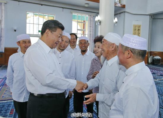 Accompanied by officials, Xi went to a mosque in Ningxia yesterday