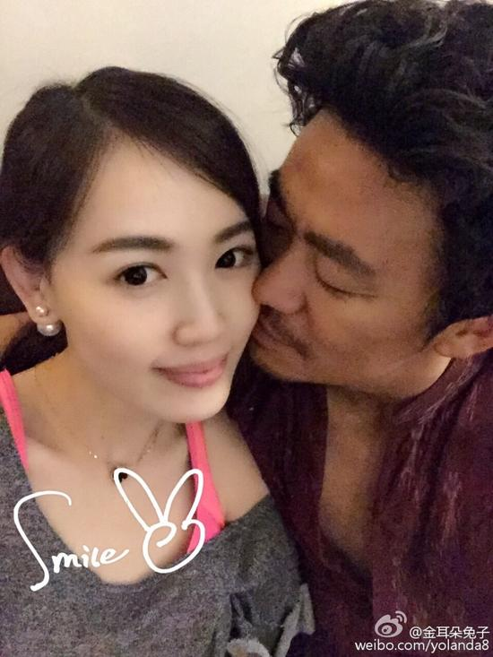 weibo explodes over news of actor s divorce