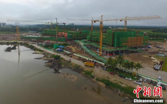 The construction work of the main structure of the national South China Sea museum will be completed on Friday