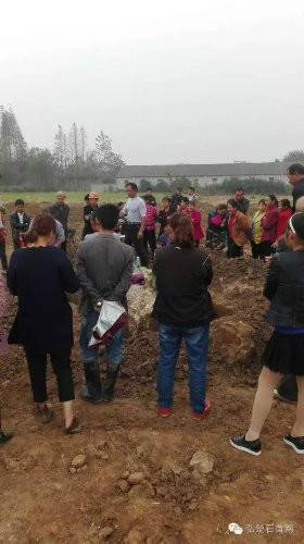 A female corpse dating back to the Ming Dynasty was unearthed in Jingzhou city, Hubei province.