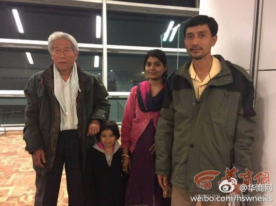 After five-and-half hours' flight, Wang Qi and his family arrived in Beijing at 11:38 am on Saturday, February 11, 2017.