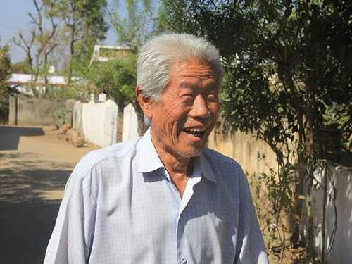 Wang was happy when the people from Chinese Embassy visited his family in India.