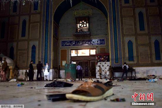 Death toll of Pakistan shrine blast rises to 72