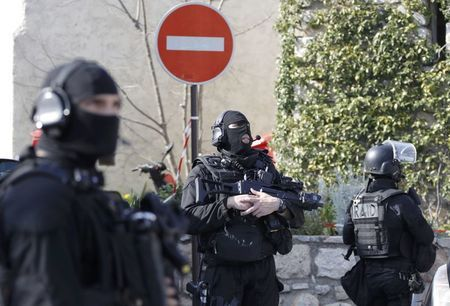 Members of special Police units RAID outside the Tocqueville high school after a shooting in Grasse, southern France, March 16, 2017. REUTERS/Eric Gaillard