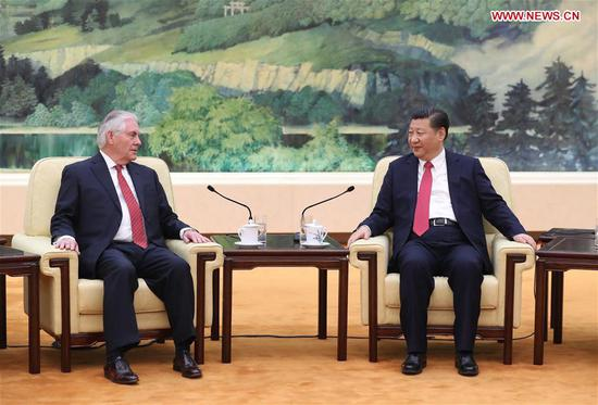 Chinese President Xi Jinping (R) meets with U.S. Secretary of State Rex Tillerson at the Great Hall of the People in Beijing, capital of China, March 19, 2017. (Xinhua/Ju Peng)