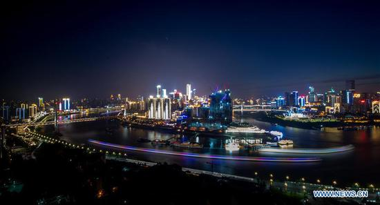 Photo taken on May 3, 2017 shows the night scenery of Chongqing, southwest China. (Xinhua/Liu Chan)