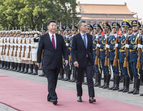 Chinese President Xi Jinping holds a welcome ceremony for his Argentine counterpart Mauricio Macri before their talks in Beijing, capital of China, May 17, 2017. (Xinhua/Li Tao)