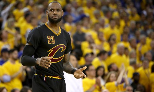 LeBron James of the Cleveland Cavaliers reacts in Game 5 of the 2017 NBA Finals against the Golden State Warriors on Monday in Oakland, California. Photo:CFP