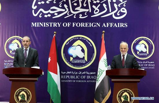 Jordanian Foreign Minister Ayman Safadi (L) and his Iraqi counterpart Ibrahim al-Jaafari attend a joint press conference in Baghdad, capital of Iraq, on Aug. 10, 2017. Jordanian Foreign Minister Ayman Safadi on Thursday arrived in Baghdad and held talks with top Iraqi leaders over bilateral relations and cooperation. (Xinhua/Khalil Dawood)