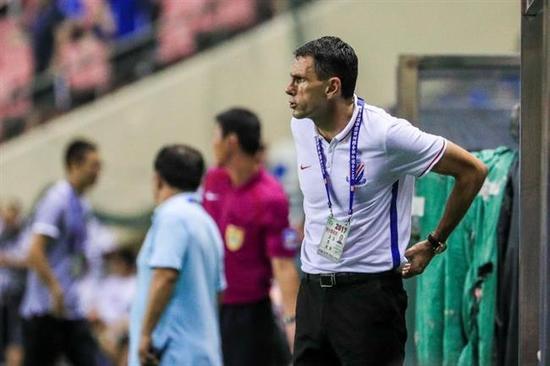 Former Uruguay international Gus Poyet has resigned as Shanghai Greenland Shenhua head coach