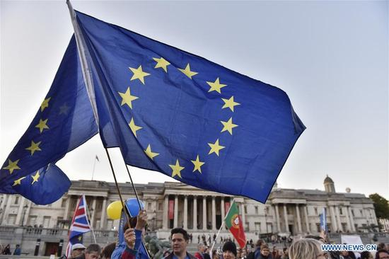 People gather to attend a rally at Trafalgar Square in London, Britain on Sept. 13, 2017. A rally was held here on Wednesday calling to maintain the rights of the EU citizens in Britain and British citizens in the EU after Brexit. (Xinhua/Stephen Chung)