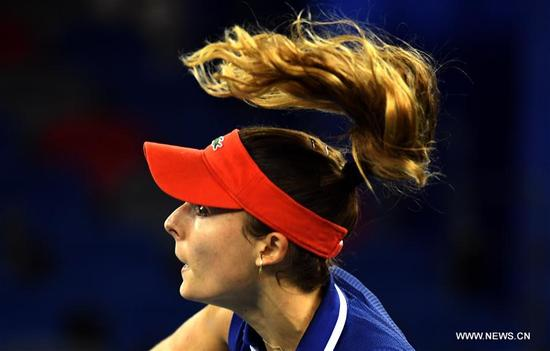 Alize Cornet of France competes during the singles quarterfinal match against Maria Sakkari of Greece at 2017 WTA Wuhan Open in Wuhan, capital of central China's Hubei Province, on Sept. 28, 2017. Alize Cornet lost 0-2. (Xinhua/Cheng Min)