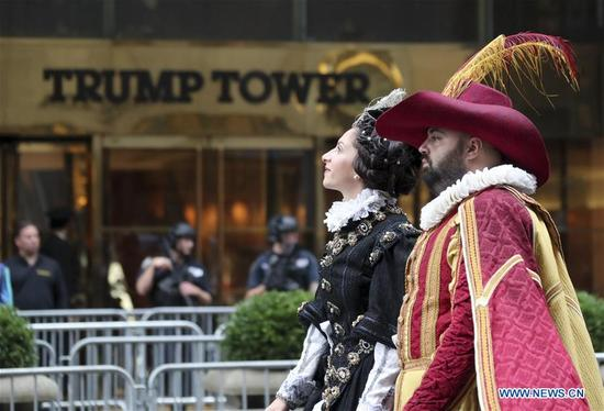 People attend Columbus Day parade on Manhattan's Fifth Avenue in New York, the United States, on Oct. 9, 2017. Thousands of people participated in the celebration of the Italian American culture and heritage here on Monday. (Xinhua/Wang Ying)