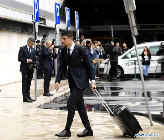 Portugal's national football team player Goncalo Guedes arrives at airport before departing to Russia for the FIFA World Cup 2018 in Lisbon, Portugal, June 9, 2018. (Xinhua/Zhang Liyun)