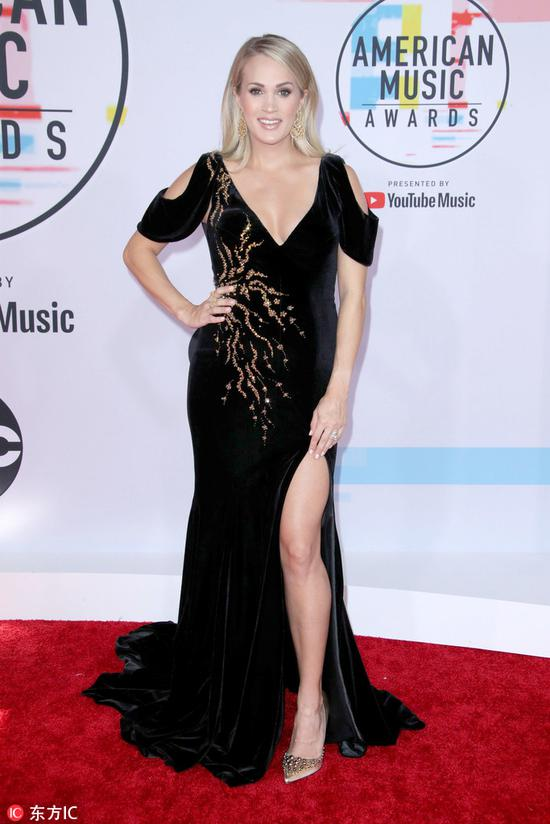 Carrie Underwood arrives at the American Music Awards on Oct 9, 2018 at the Microsoft Theater in Los Angeles. [Photo/IC]