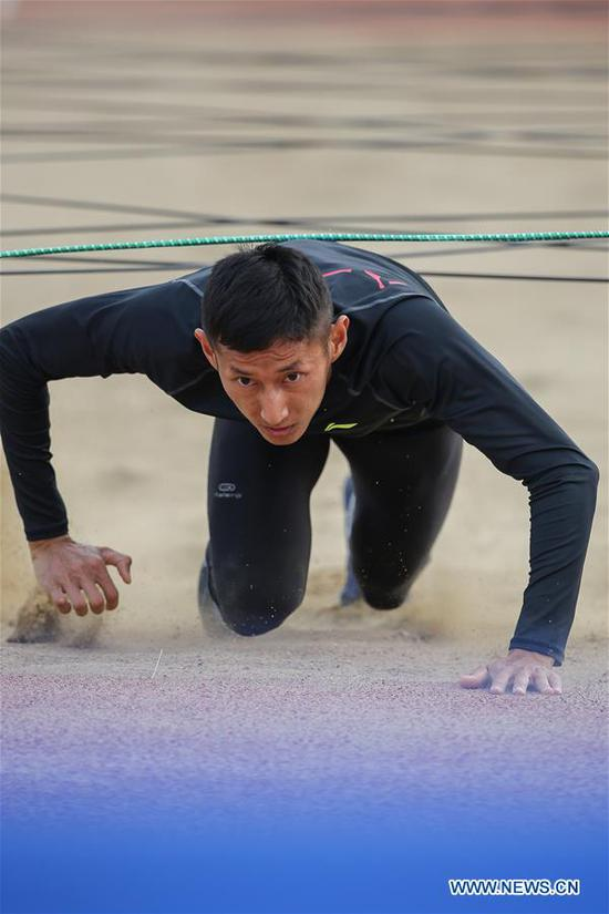 Pan Yucheng of China competes during the men's individual obstacle run of the military pentathlon at the 7th International Military Sports Council (CISM) Military World Games in Wuhan, capital of central China's Hubei Province, Oct. 20, 2019. Pan broke the world record of the men's individual obstacle run with 2:09.05. (Xinhua)