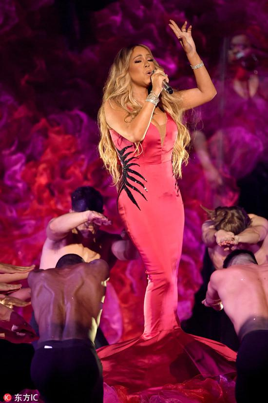 Mariah Carey performs at the American Music Awards on Oct 9, 2018 at the Microsoft Theater in Los Angeles. [Photo/IC]