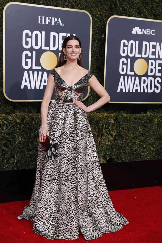 Actress Anne Hathaway arrives at the 76th annual Golden Globe Awards at the Beverly Hilton Hotel on Jan 6, 2019, in Beverly Hills, United States. [Photo/Agencies]