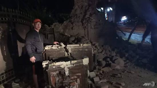 This handout picture released by Indonesia's accident mitigation agency shows the damage from an earthquake in East Java's Sumenep district on Oct 11, 2018. (Photo: AFP/Badan Nasional Penanggulangan Bencana)