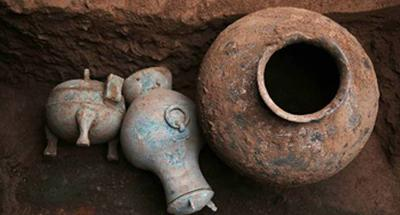 2,000-year-old liquor unearthed from ancient tomb in western China