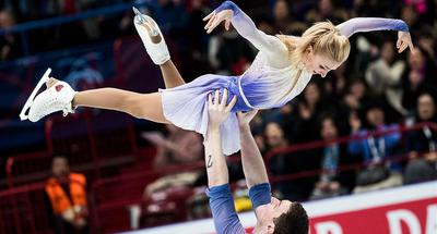 Olympic skaters Savchenko/Massot win world title with record score