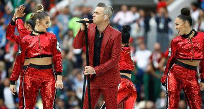 Robbie Williams reveals reasoning behind World Cup vulgar gesture 5 days later
