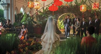 'Crazy Rich Asians' becomes most successful studio rom-com in 9 years at U.S. box office
