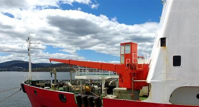 China's icebreaker Xuelong makes port call at Australia's Hobart