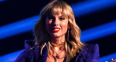 Taylor Swift performs 'Lover,' 'You Need to Calm Down' & 'ME!' at 11.11 Shopping Gala